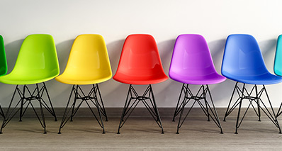 Pigmentation of plastic components such as chairs